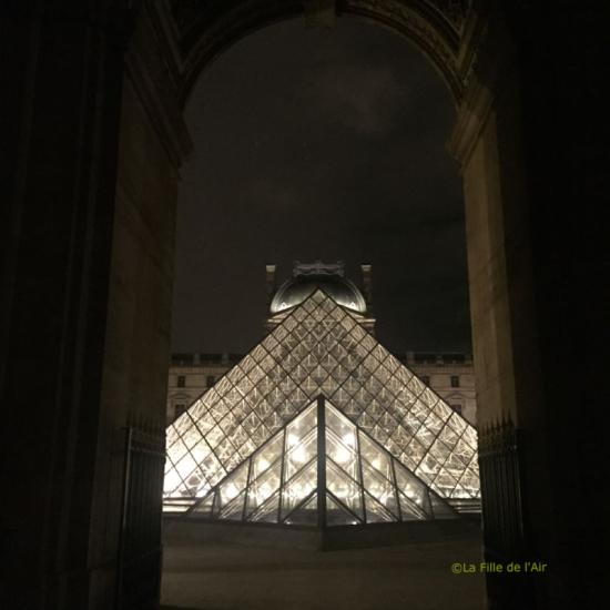 Pyramide du Louvre 1