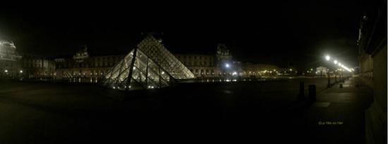 Pyramide du Louvre 2