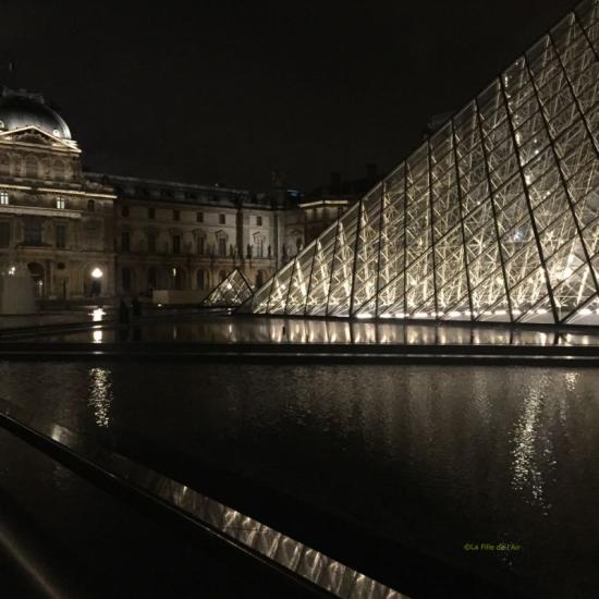 Pyramide du Louvre 5