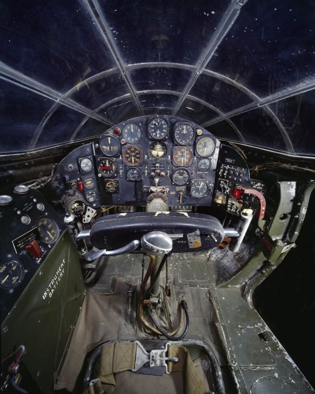 07-cockpit-avion-Bell-X-1-640x800