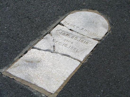 Mathis-airport-tombstones-23
