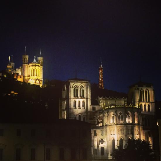 Lyon-13