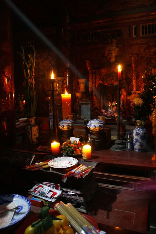Temples des rois Ngo Quyen et Phung Hung