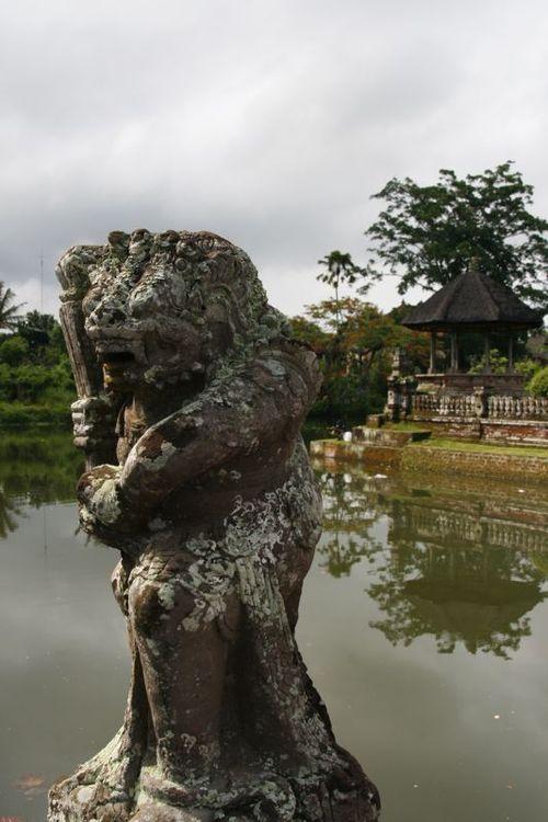 Statue à Mengwi