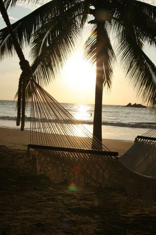 Coucher de soleil et hamac